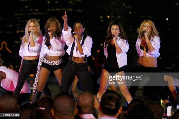 Aubrey O'Day Wanita D Woods Woodgette Dawn Richard Aundrea Fimbres and Shannon Bex of Danity Kane