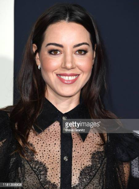"""Aubrey Plaza arrives at the Premiere Of Fox Searchlights' """"Jojo Rabbit"""" at Post 43 on October 15, 2019 in Los Angeles, California."""