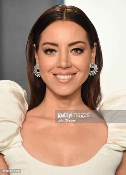 Aubrey Plaza attends the 2020 Vanity Fair Oscar Party hosted by Radhika Jones at Wallis Annenberg Center for the Performing Arts on February 09, 2020...