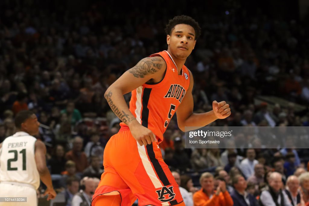 COLLEGE BASKETBALL: DEC 15 Auburn at UAB : News Photo