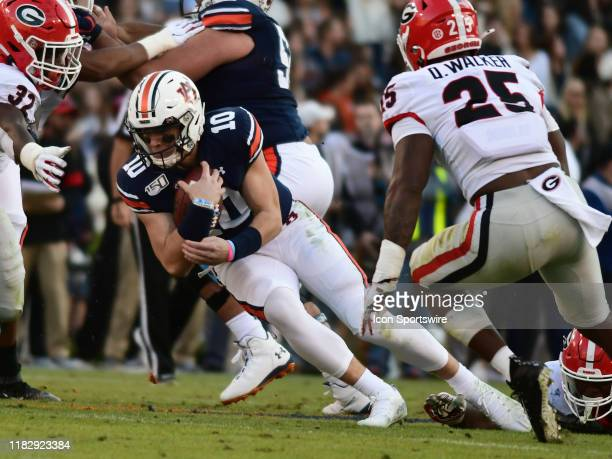 Auburn Tigers Quarterback Bo Nix rushes the ball during the game between the Georgia Bulldogs and the Auburn Tigers on November 16 at JordanHare...