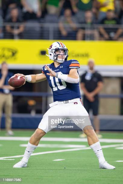 Auburn Tigers quarterback Bo Nix throws a pass during the AdvoCare Classic college football game between the Oregon Ducks and the Auburn Tigers on...
