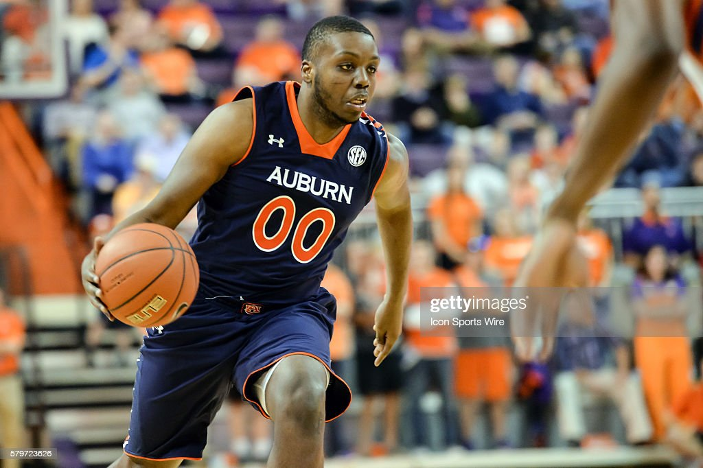 Auburn S Malcolm Canada Looks To Drive To The Basket During