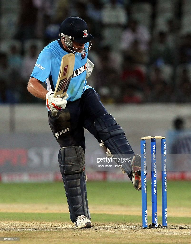 Auckland Aces v Somerset - 2011 Champions League Twenty20