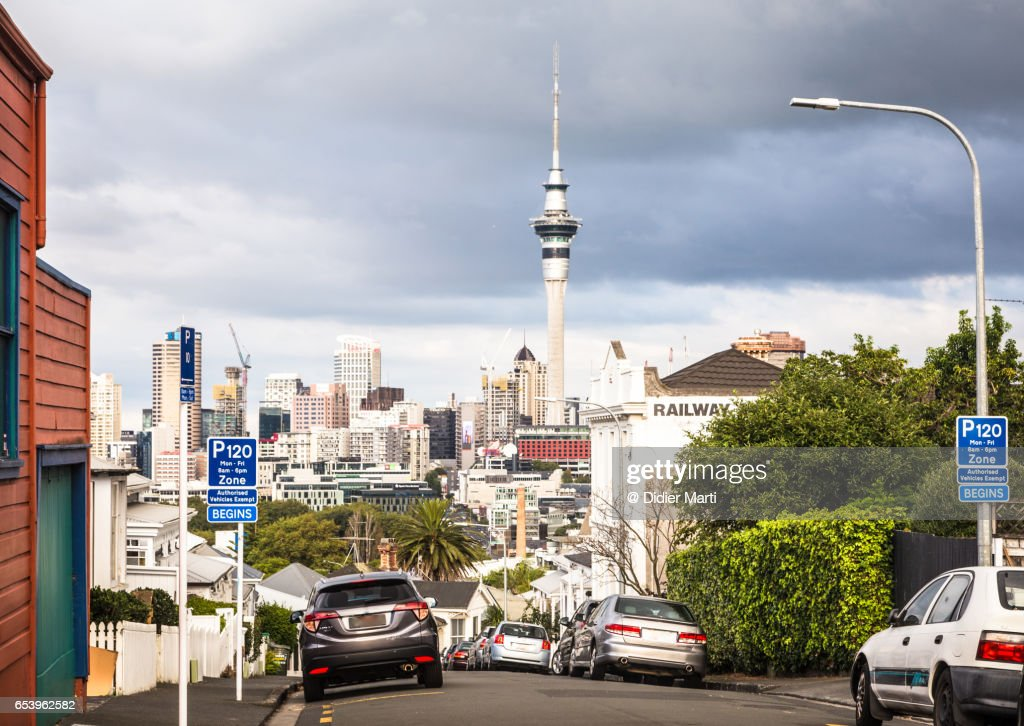 Auckland business district skyline in New Zealand largest city : Stock Photo