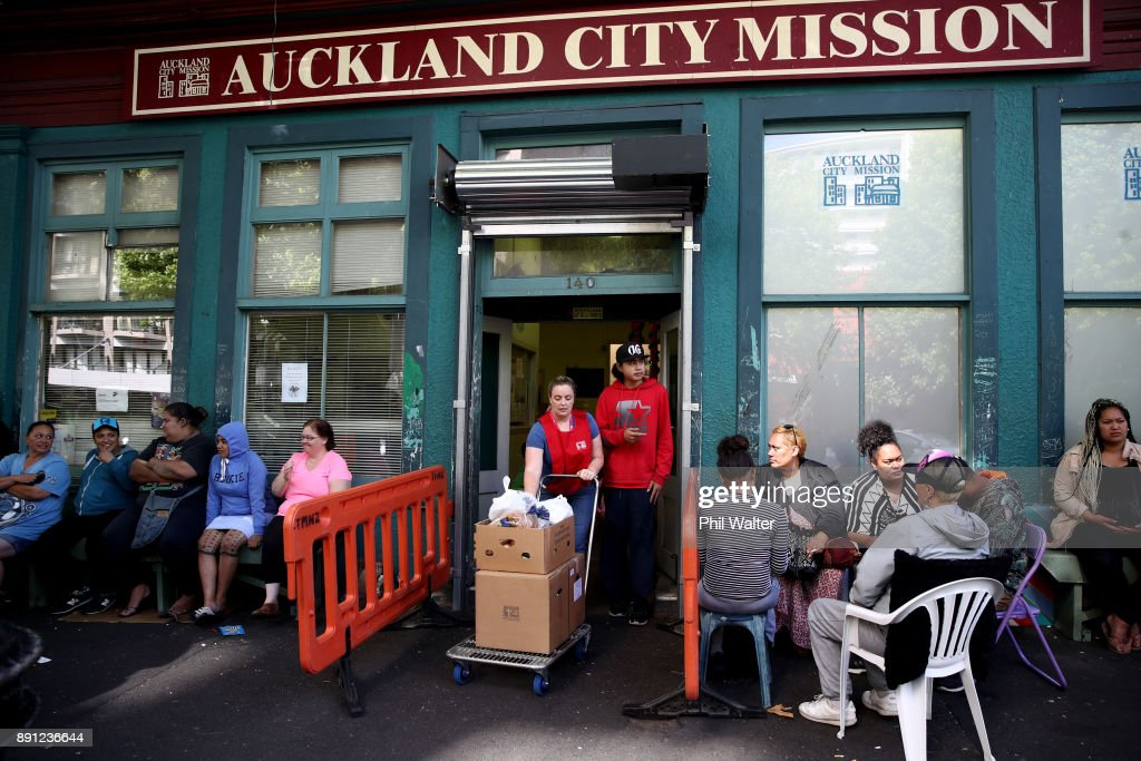 Struggling Families Seek Assistance At Auckland City Mission Ahead Of Christmas