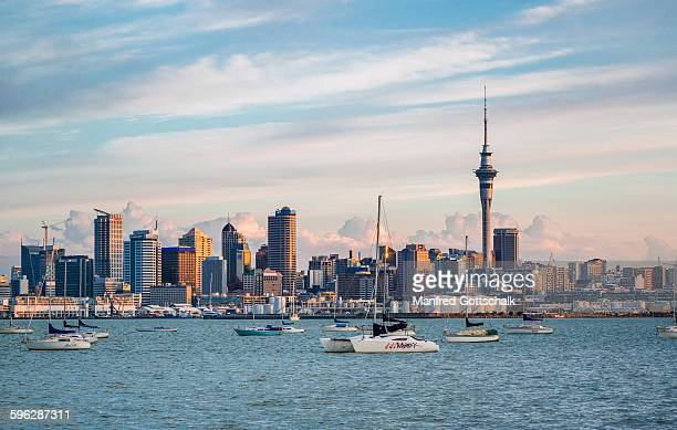 auckland evening skyline - auckland stock pictures, royalty-free photos & images