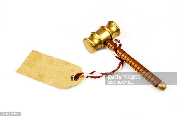 auctioneer hammer blank price tag - bid stock pictures, royalty-free photos & images