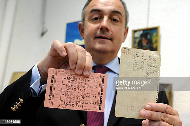 Auctions sell of writer Julien Gracq personnal collection In Nantes France On October 20 2008A pink sheet on which is described a chess move sent by...
