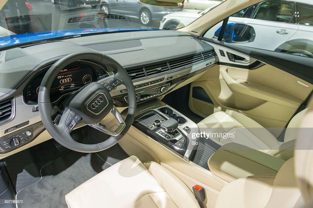 Audi Q7 E Tron Plug In Hybrid SUV Interior : Stock Photo