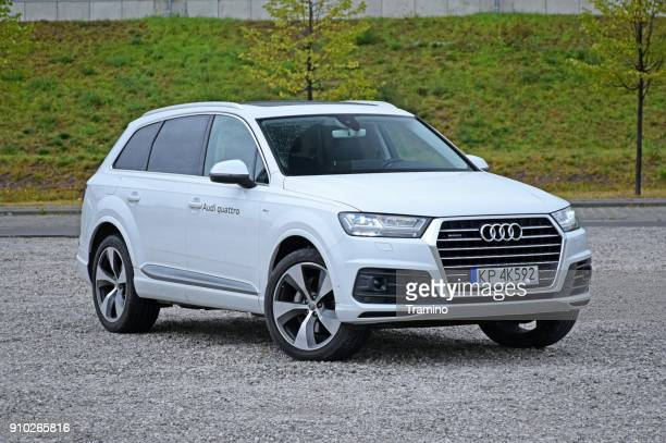 audi q7 on the parking - audi stock pictures, royalty-free photos & images