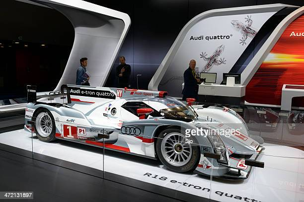 audi r18 e-tron qauttro le mans race car - sarthe stock pictures, royalty-free photos & images