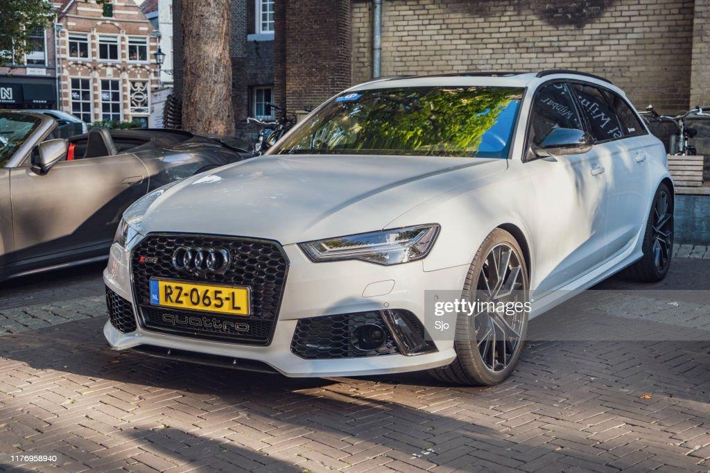 Audi RS6 Avant performance Station Wagon carro esportivo carro : Foto de stock