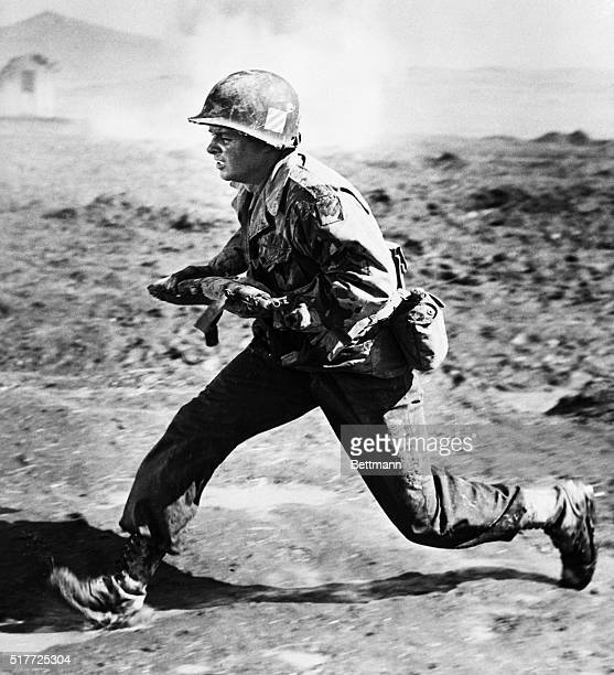 Audie Murphy, the most decorated war hero in the history of the United States reenacts some of his experiences in the European Theater of WWII in...