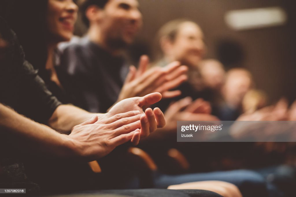 Publikum applaudiert im Theater : Stock-Foto