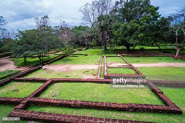 audience hall ruins at parakramabahu's royal palace, polonnaruwa, unesco world heritage site, sri lanka, asia - lanka stock pictures, royalty-free photos & images