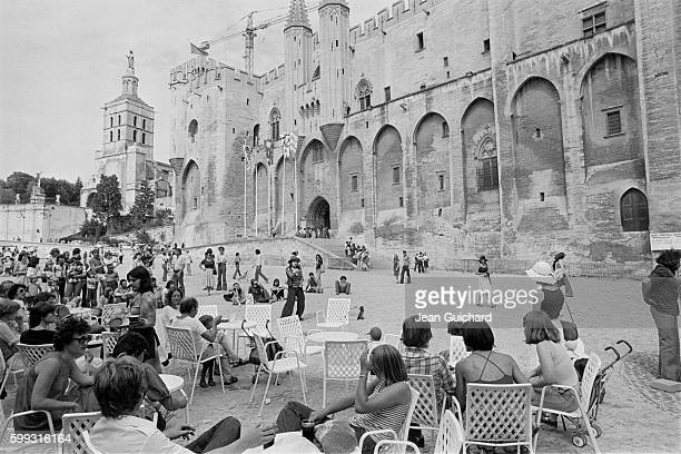 Audience in the square in front of the Palais des Papes during the 1977 Avignon Theatre Festival