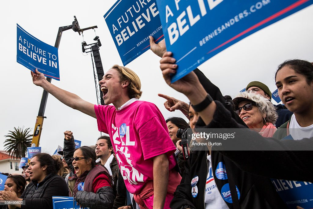 Bernie Sanders Campaigns In SF Bay Area One Day Before California Primary : News Photo