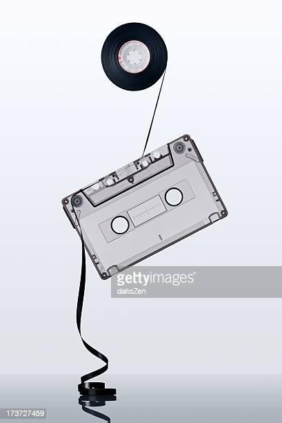 audio cassette tape - opslagmedia voor analoge audio stockfoto's en -beelden