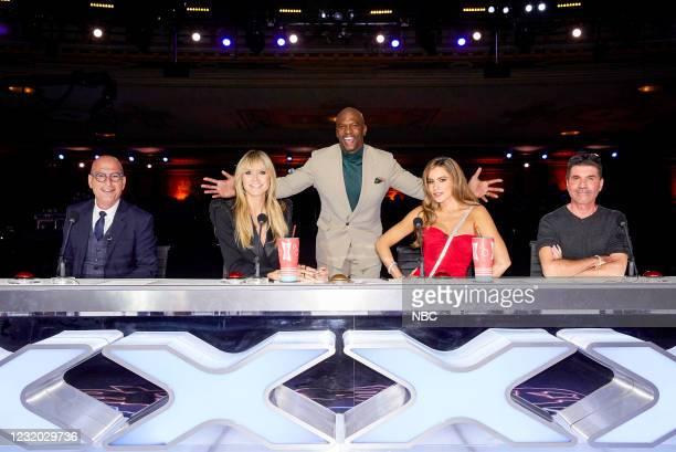 "Auditions"" -- Pictured: Howie Mandel, Heidi Klum, Terry Crews, Sofia Vergara, Simon Cowell --"