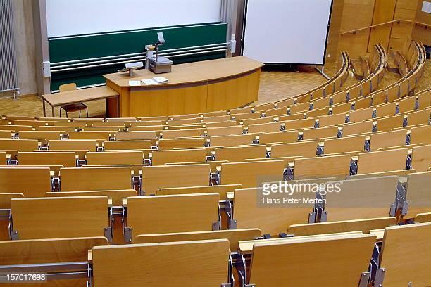 auditorium at university - hörsaal stock-fotos und bilder