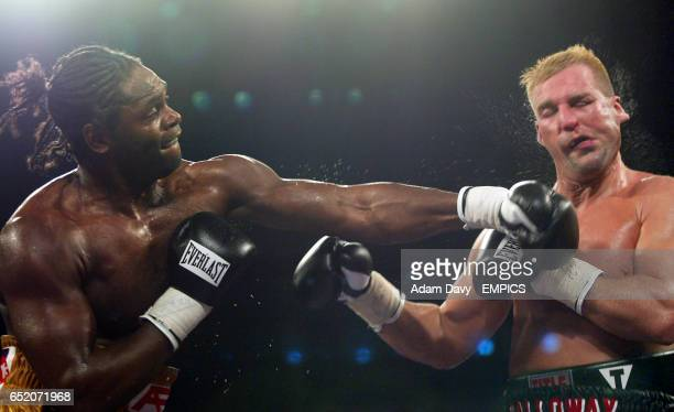 Audley Harrison smashes Rob Calloway on the jaw