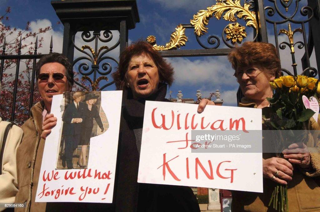 Royal Wedding - Marriage of Prince Charles and Camilla Parker Bowles - Kensington Palace - Hyde Park : News Photo