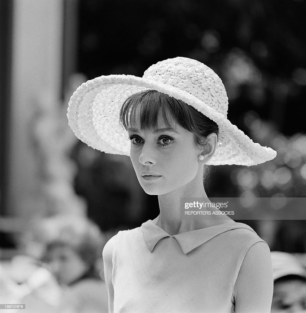 Audrey Hepburn during the shooting of movie 'Paris when it sizzles' directed by Richard Quine, 1963 in Paris, France.