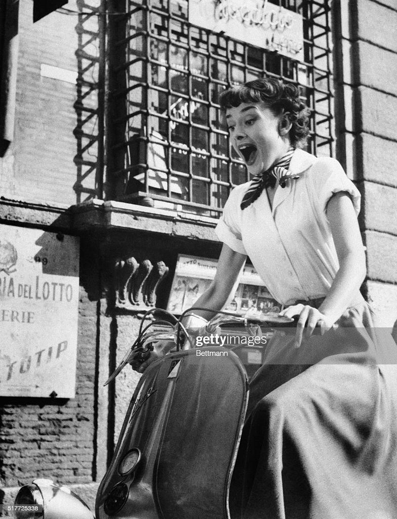 Audrey Hepburn in Roman Holiday : News Photo