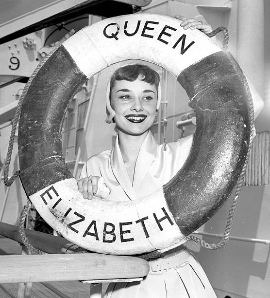 "Audrey Hepburn star of Broadway play ""Gigi"" sails for Europe"