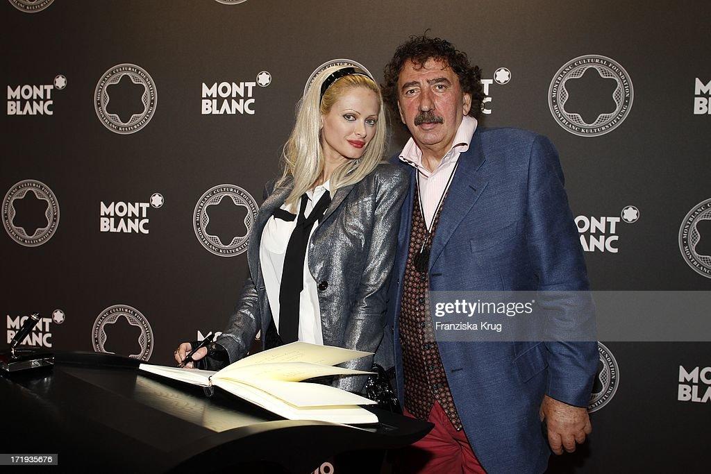 Montblanc De La Culture Arts Patronage Award 2011 : News Photo