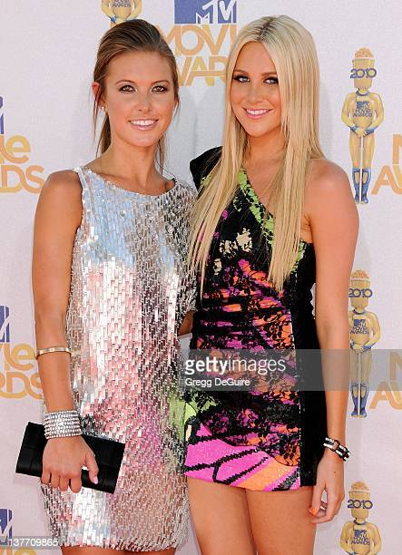 Audrina Patridge and Stephanie Pratt attend the 2010 MTV Movie Awards at the Gibson Amphitheatre on June 6, 2010 in Universal City, California.