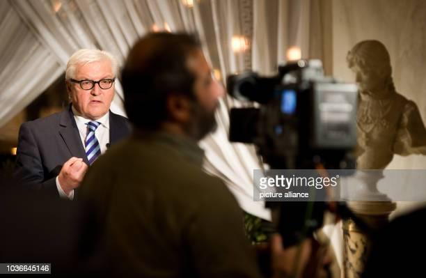 Außenminister FrankWalter Steinmeier gibt am in Athen ein Fernsehinterview Der deutsche Außenminister besucht Griechenland für zwei Tage Foto Bernd...