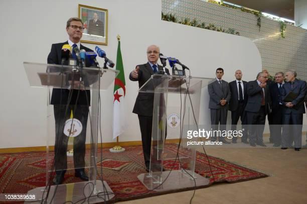Außenminister Guido Westerwelle und sein algerischen Amtskollege Mourad Medelci geben am in Algier eine Pressekonferenz Westerwelle besucht auf einer...