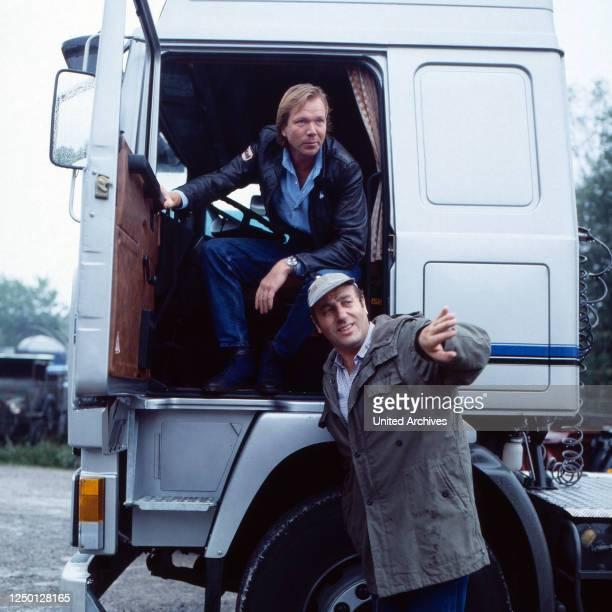 Auf Achse, Fernsehserie, Deutschland 1983, Regie: Werner Masten, Darsteller: Manfred Krug, Rüdiger Kirschstein.