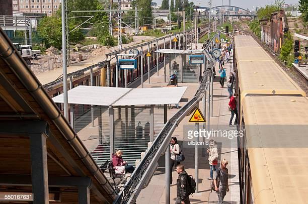 Auf der Stadtbahnebene wird zur Zeit dieser alte Bahnsteig am Bahnhof Ostkreuz für den Verkehr in OstwestRichtung genutzt Der SBahnhof Ostkreuz in...