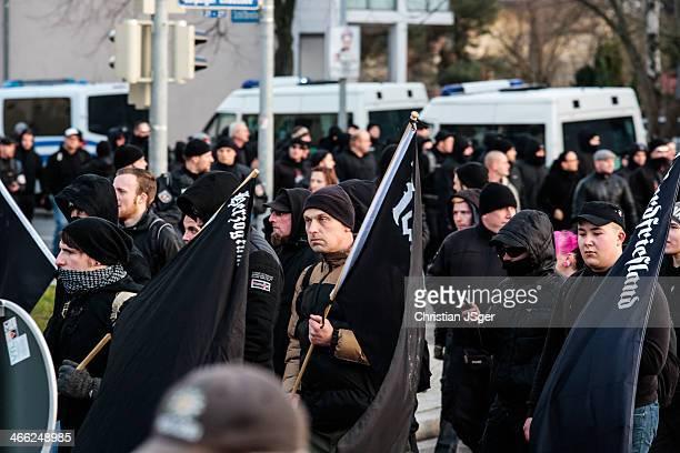 Aufmarsch von etwa 800 Neonazis in Magdeburg/Deutschland anlässlich der Bombardierung der Stadt .