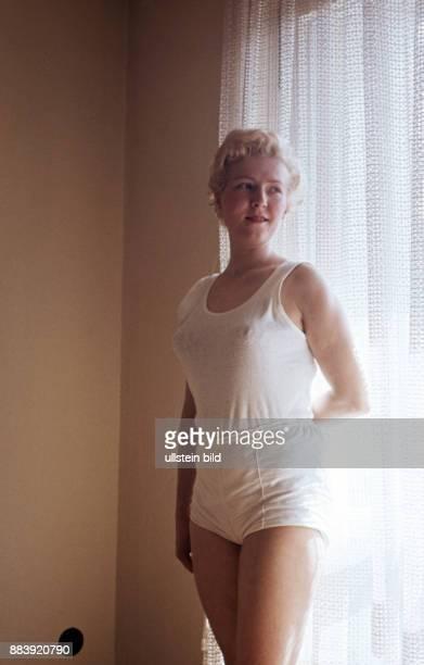 GER Aufnahme ca 1950 Junge Frau