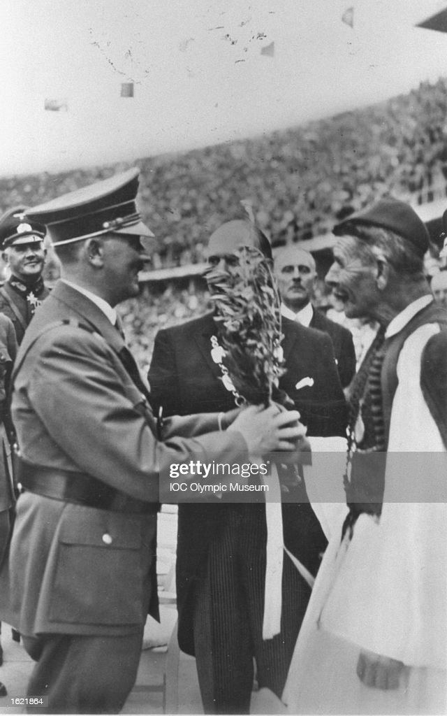 Adolf Hitler & Louis Spiridon : News Photo