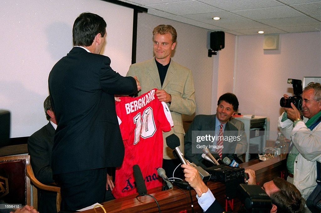Dennis Bergkamp : News Photo