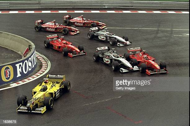 The field takes the first corner in the Belgian Grand Prix at SpaFrancorchamps in Belgium Mandatory Credit /Allsport