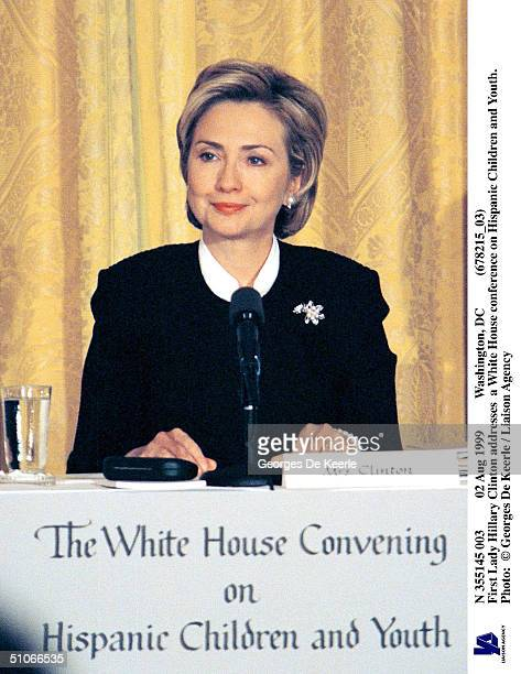 Aug 1999 Washington, Dc First Lady Hillary Clinton Addresses A White House Conference On Hispanic Children And Youth.