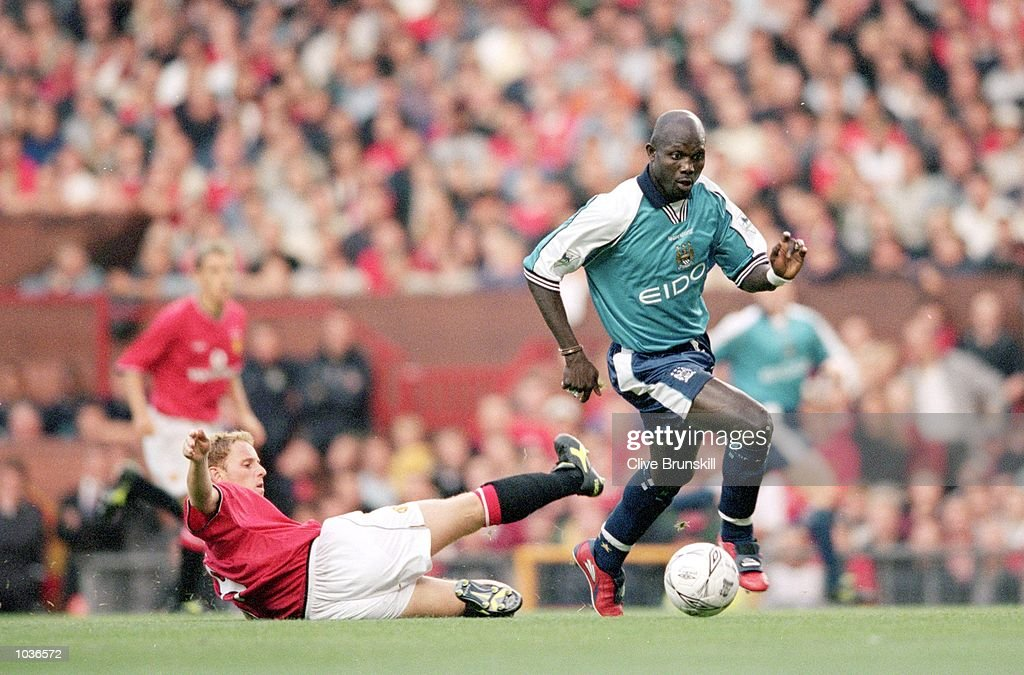 George Weah, Nicky Butt : News Photo