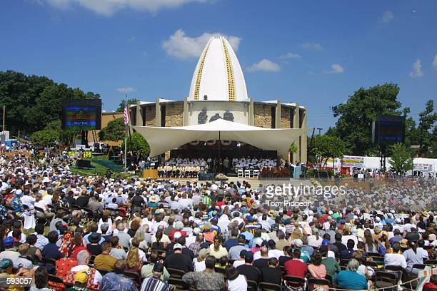 General view of the ceremony during the 2001 Pro Football Hall Of Fame Induction at Hall's Game Day Theater in Canton Ohio DIGITAL IMAGE Mandatory...