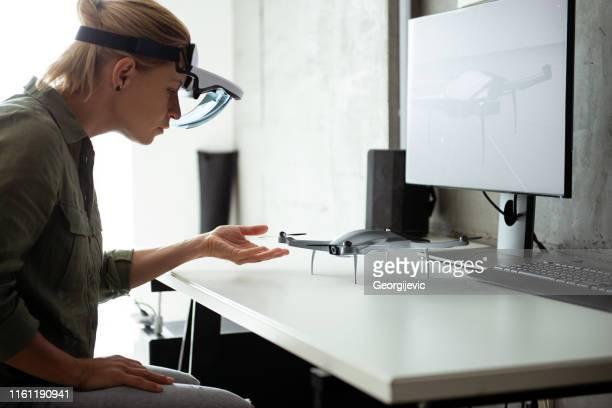 augmented reality - drohne - erweiterte realität stock-fotos und bilder