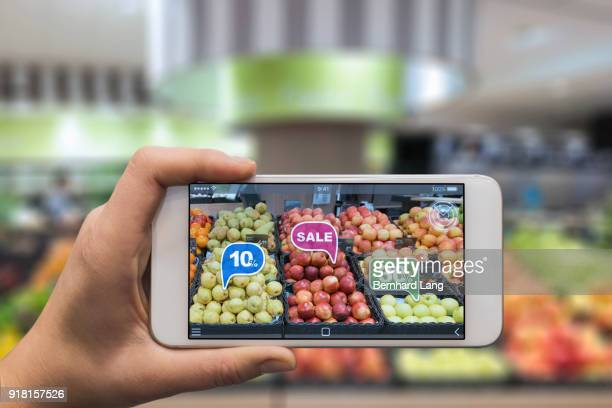 augmented reality fruit shopping - realtà aumentata foto e immagini stock