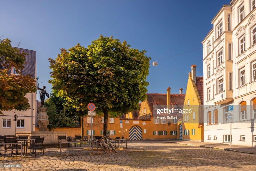 Augsburg City: Jakobsplatz, Fuggerei : Foto de stock