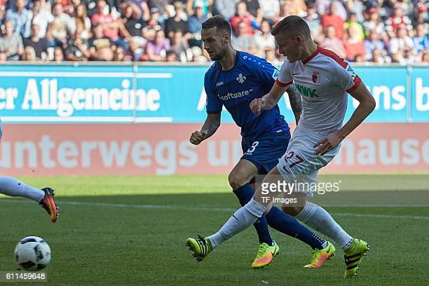 Augsburg Deutschland 1 Bundesliga 5 Spieltag FC Augsburg SV Darmstadt 98 Hier haette Alfred Finnbogason re das 20 erzielen muessen Links Alexander...