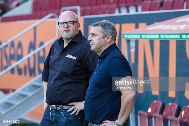 Augsburg Deutschland Bundesliga FC Augsburg VfL Wolfsburg Geschäftsführer Sport Klaus Allofs