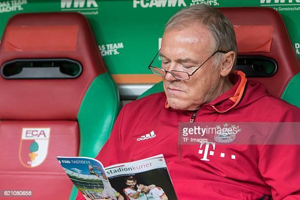 Augsburg Germany Bundesliga 9Spieltag FC Augsburg FC Bayern Muenchen CoTrainer Hermann Gerland